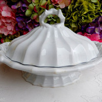 Beautiful Antique J Wedgwood White Ironstone Covered Vegetable Serving Bowl