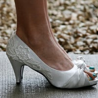 Ivory Heel With Venise Lace Applique by walkinonair on Etsy
