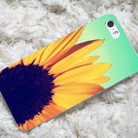 Sunflower Cute Flower  iP4,iP5/5S/5C/SamsungS3/S4/S2/mini/Note2/3,HTC One,OneX,BBZ0/Q10