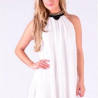 White Sleeveless Loose Shift Dress /w Embellished Neck