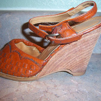 SALEVintage Wood Sandals Heels Stacked by SweetSmilingSherri