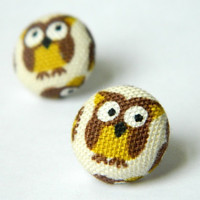 Button Earrings Owl Brown Beige Yellow by PushTheButtons on Etsy