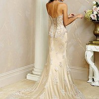 Buy Exquisite Elegant Tulle Sheath Strapless Wedding Dress In Great Handwork