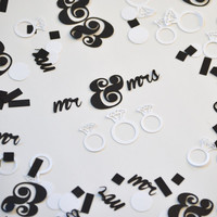 Mr and Mrs Wedding confetti | 200 pieces | Black and white wedding decoration | Diamond ring decor | Bridal shower, engagement party