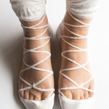 Women New Hezwagarcia Intimate Mono Cross Geometric Pattern Nylon Sheer White Ankle Socks Hosiery Gift