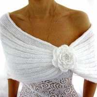 ROMANTIC WHITE Handmade  Mohair Capelet with a Flower by Rumina