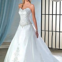 Buy Beautiful Elegant Exquisite Wedding Dress In Great Handwork