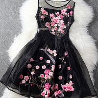 Organza Black Floral Embroidered Gauze Dress Stitching