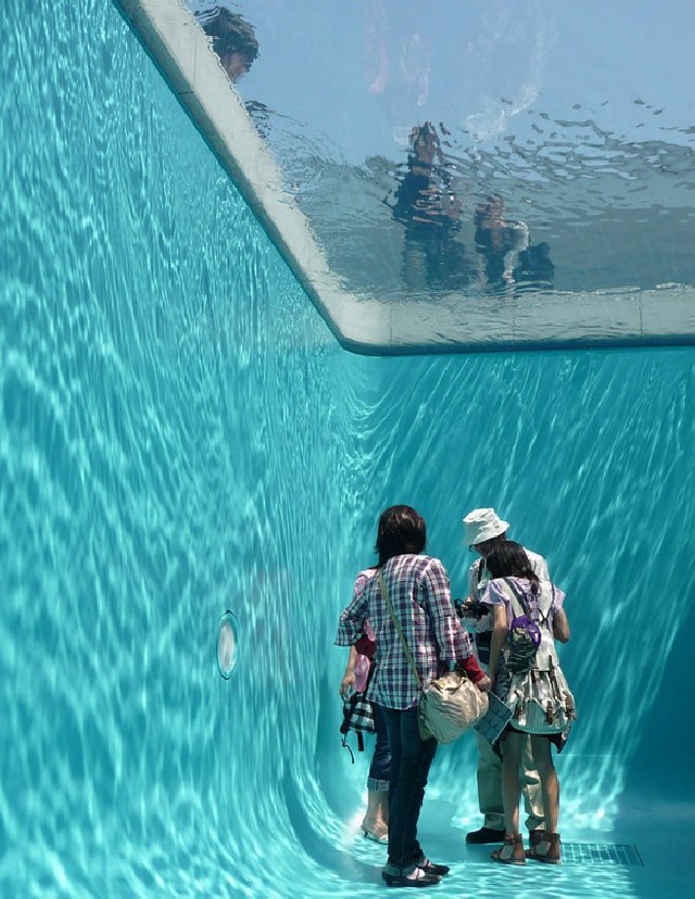 Fake Swimming Pool ? Leandro Erlich | Design Rulz