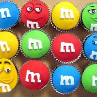 m&m's cupcakes - Cupcakes! by Klassic on CakeCentral.com