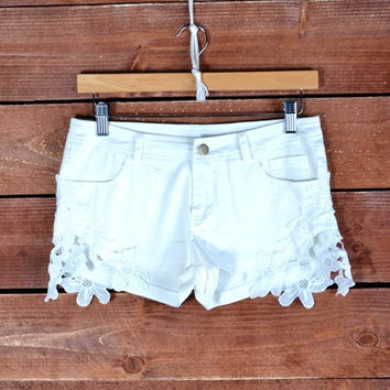 LACED UP SHORTS | Paper Kranes
