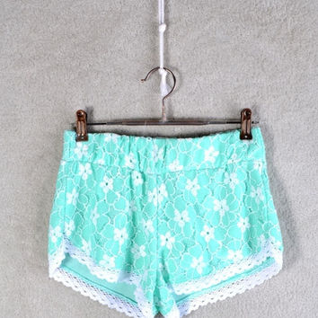 DAISY TAKE ME SERIOUS SHORTS | Paper Kranes