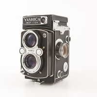 YASHICA MAT 124 - 1970s 6×6 TLR (crank advance) Twin Lens Reflex - 120 film camera working