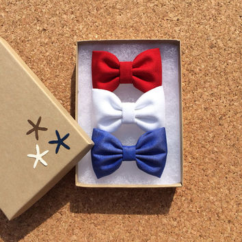 4th of July set.  Red, white denim, and blue shirting hair bows from Seaside Sparrow.  Sparrow bows make the perfect birthday gift.
