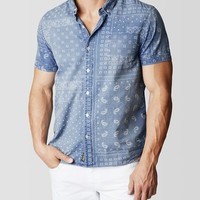 SHORT SLEEVE SINGLE POCKET BANDANA PRINT MENS SHIRT