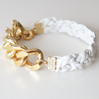Gold Extra chunky chain with White leather braid by Brinkel