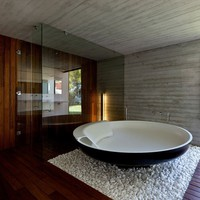 UFO Bathtub by Benedini Associati