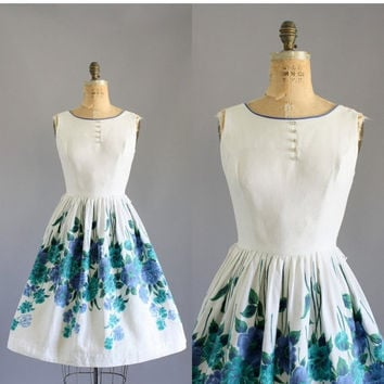 20% OFF Vintage 50s Dress/ 1950s Cotton Dress/ Cotton Pique Floral Dress w/ Sequin Buttons M