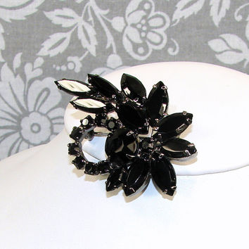 Jet Black Brooch 1950s Vintage Costume Jewelry Abstract Leaf Asymmetrical Wreath Rhinestones Gunmetal Coat Pin