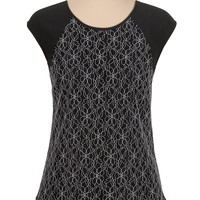 button back Cap sleeve contrast lace top