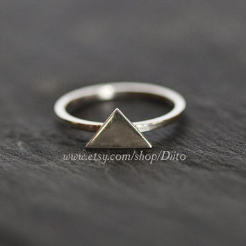 Size 6 , Sterling Silver, Handmade Jewelry, Triangle Ring, Statement Ring, Geometric Ring, Ready To Ship!