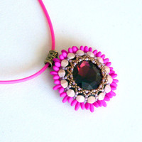 Beaded pendant, beaded flower pendant, beaded pendant Zelli, neon purple pendant