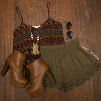 Blissful Thinking Lace Shorts - Olive