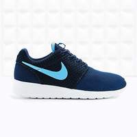 Nike Roshe Running Trainers in Blue - Urban Outfitters