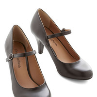 ModCloth Vintage Inspired Talk of the Office Heel in Noir