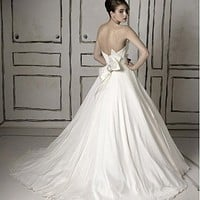Buy discount Brilliant Taffeta & Organza & Satin  Ball Gown Strapless Neckline Bridal Dress With Bowknot at dressilyme.com