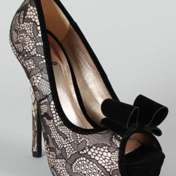 Qupid Heigl-95 Bow Lace Peep Toe Platform Pump
