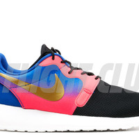 "w's rosherun hyp prm qs ""magista pack"" - blck/mltc gld cn-hypr pnch-gm - Roshe Run - Nike Running - Nike 