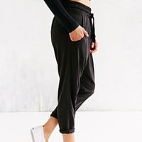 State of Being Crupro Cropped Jogger Pant- Black