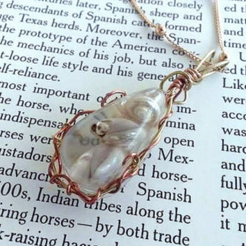 Seashell Jewelry - Pearl Colored - Bohemian Jewelry - Copper Necklace - Wire Jewelry - Hippie Accessory - Tear Drop - Ocean Necklace -Marine