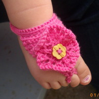 Barefoot sandals for baby or toddler in deep pink | PurplePup - Knitting on ArtFire