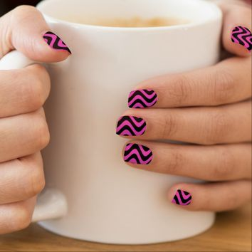 Wobbly Waves (Pink/Black)