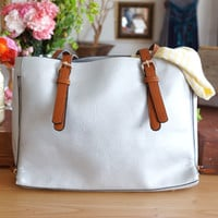 Summer Glamour Tote, Silver (with bonus sling bag)