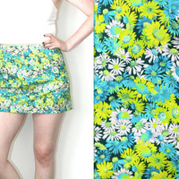 Vintage 90s Grunge // Daisy Floral High Waist Mini Skirt // Hipster // Multicolored // Blue Green White // Size Small / 26 / US 4