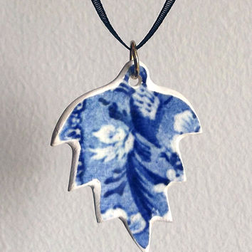 Ceramic Leaf Necklace - Broken Pottery Pendant, Hand Carved. China Jewelry, Ceramic Pendant, Leaf Pendant, Leaf Jewelry, Leaf Necklace, uk