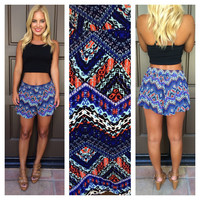 Rhythm Of The Jungle Printed Shorts - BLUE