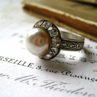 Vintage Rhinestone Pearl Ring by Candies64 on Etsy