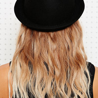 Simple Bowler Hat in Black - Urban Outfitters