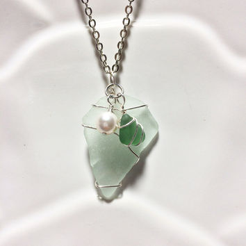 Seafoam Sea glass Necklace Green Sea Glass Peridot Seaglass Friendship Gift For Her Pearl Necklace
