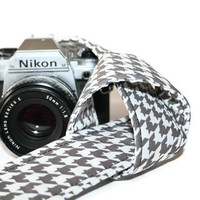 Camera Strap Grey White Houndstooth SLR DSLR by by HowardAvenue