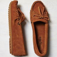 Minnetonka Kilty Suede Moccasin, Taupe | American Eagle Outfitters