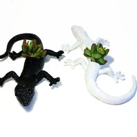 Up-cycled Black and White Gecko Planters