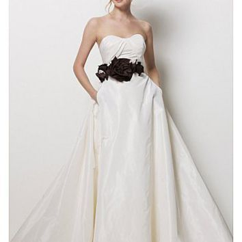 Buy discount Elegant Exquisite Taffeta A-line Sweetheart Neckline Wedding Dress at dressilyme.com