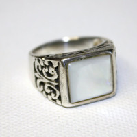 Vintage Sterling Ring MOP Mother of Pearl size 7 by patwatty