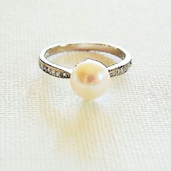 sterling silver pearl ring, white pearl sterling ring, freshwater pearl ring,  pearl zirconia ring, freshwater pearl ring, single pearl ring