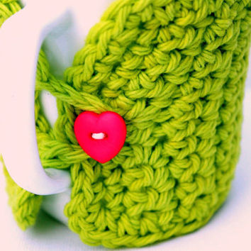 Green crochet coffee cup cozy.  Java jacket.  Beverage sleeve